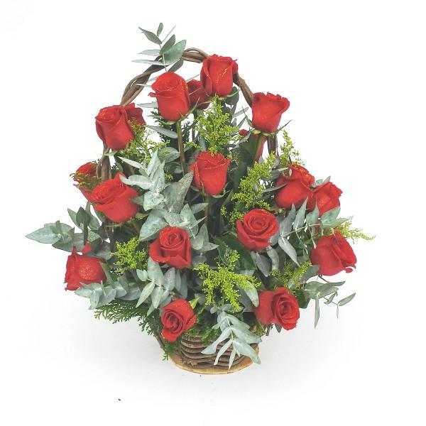 Cesta-com-24-Rosas-Vermelhas-Importadas